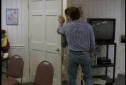 David Stallings walking into a visitation room