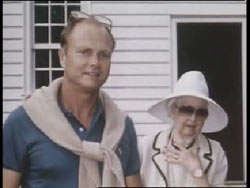 Tondevold next to Ellen McClung Berry whos in a hat and sunglasses
